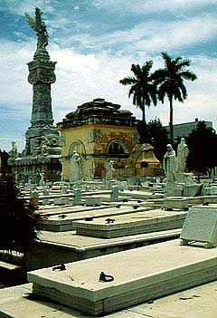 havanna-friedhof-cristobal-colon